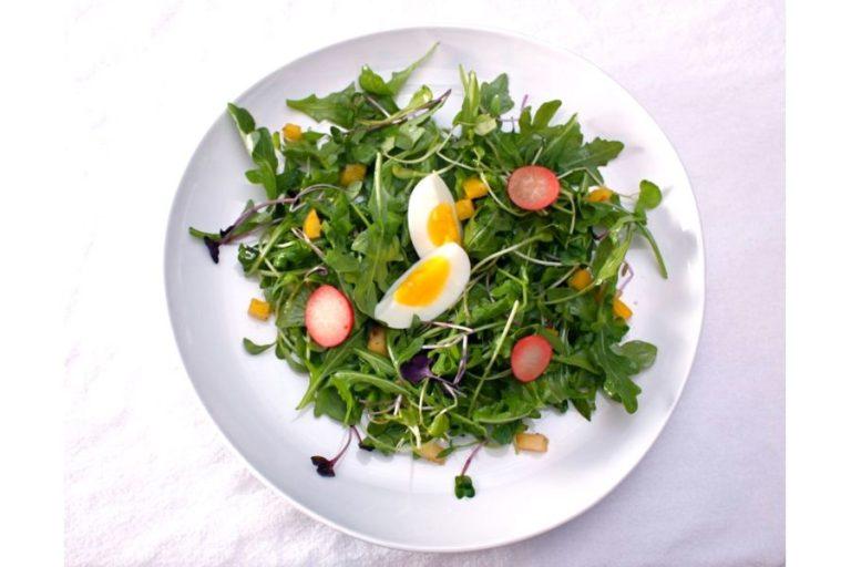 Η κατανάλωση αυγών μαζί με ωμά λαχανικά αυξάνει τη θρεπτική τους αξία