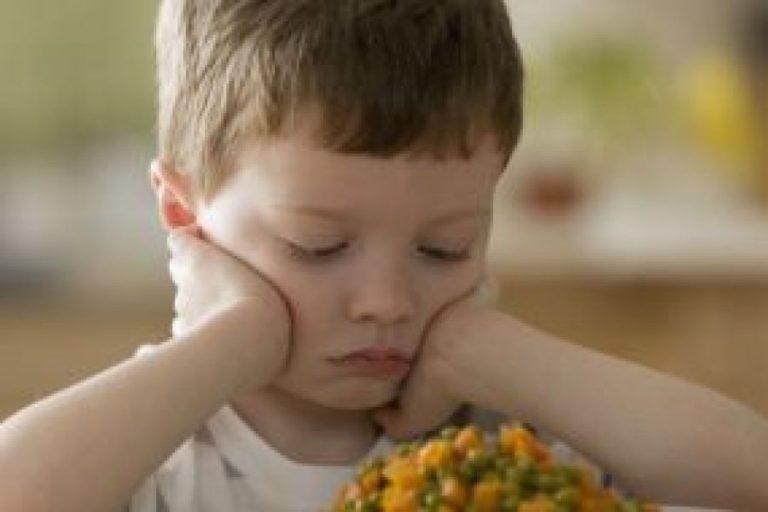 Τέσσερις τρόποι για να καλλιεργήσετε στο παιδί σας τη σωστή εκτίμηση για το φαγητό